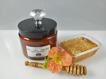 Berlin Bear's Honey Pot | Eco-Soy Candle | XL